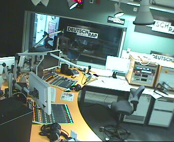 YOU FM  Webcam Studio 1